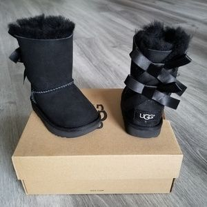 UGG T Bailey Bow II Water-resistant Boot.
